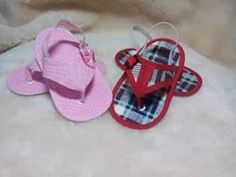 Arte em TudO: PAP-Chinelinho em Feltro /Bebê 4 Kids, Baby Kids, Baby Quilt Patterns, Crochet Baby Shoes, Baby Sewing, Baby Quilts, Baby Dress, Sewing Projects, Handmade