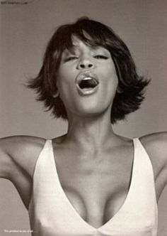 the voice Whitney Houston, Beverly Hills, Music Icon, Pop Music, Divas, Toni Braxton, Guinness World, Beautiful Voice, Simply Beautiful
