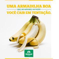 Fruta que faz bem ao humor e ao paladar! Da casca à polpa, a banana está recheada de benefícios para a saúde. Conheça 5 bons motivos para escolher essa saudável opção para adoçar o dia: http://unimed.me/1000uE