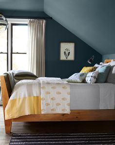 Again, love the colors - yellow, grey, slate blue