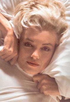 Marilyn Monroe. Photo by Douglas Kirkland, November 17th 1961.