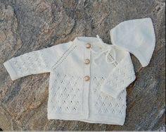 1109 - Baby trøje med Djævlehue - Opskrift (Mayflower). Super sød baby trøje med en bedårende djævlehue.