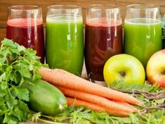 Check out these easy-to-prapre Juicing Recipes for Cancer. Certain foods have terrific cancer fighting properties and by juicing them you consume the nutrients in its fresh form. Best Green Juice Recipe, Fresh Juice Recipes, Juice Cleanse Recipes, Juicer Recipes, Healthy Juices, Healthy Smoothies, Healthy Snacks, Carrots Nutrition, Carrot Juice Benefits