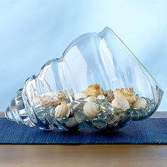 Shell Glass Bowl, for the love of the sea! ❤️ note the clear glass marbles under the shells. It gives the effect of water. Seashell Crafts, Beach Crafts, Coastal Style, Coastal Decor, Coastal Living, Seaside Decor, Deco Marine, Dream Beach Houses, Beach Room