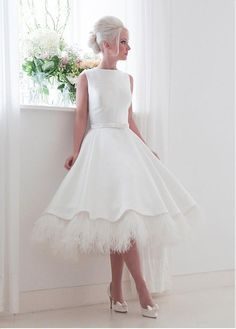 Wedding Gown - Tea length wedding dresses in vogue for a long time. Owners of these outfits look stylish and romantic. Take a look on our tea length gowns collection! Elegant Wedding Dress, Perfect Wedding Dress, 50s Style Wedding Dress, Wedding Attire, Wedding Gowns, Short Wedding Dresses, Unusual Wedding Dresses, Wedding Outfits, Wedding Reception