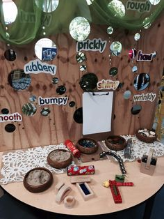 Walker learning approach fb page Classroom Setting, Classroom Displays, Classroom Ideas, Learning Spaces, Learning Centers, Play Spaces, Inquiry Based Learning, Early Learning, Investigation Area
