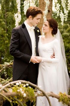 Remember when Bella Swan married Edward Cullen and it seemed just like K. Stew was tying the knot with R. Patz for real?Kristen Stewart in The Twilight Saga: Breaking Dawn (Part Bella Swan Wedding Dress, Twilight Wedding Dresses, Movie Wedding Dresses, Celebrity Wedding Dresses, Wedding Movies, Celebrity Weddings, Bridal Dresses, Prom Dresses, Bridesmaid Dresses