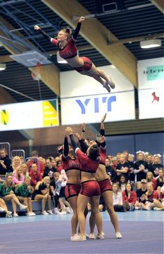 THE ATHLETES -  CHEER , in the air, competitive cheerleading, stunt, flying, flyer m.51.12 #KyFun