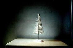 Celebrate the season with the modern and minimalist industrial look of this simple yet elegant Christmas tree!