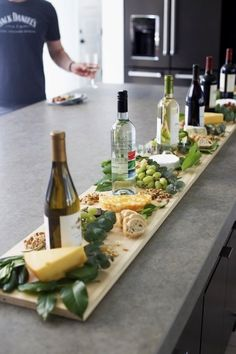 """Source by pintermoni Related posts: Fall Wine and Cheese Tasting Party 14 Hacks That'll Help The Laziest Person Host A Dinner Party Wine And Cheese / Dinner Party """"Wine And Cheese Party!"""" host the perfect Halloween dinner party Wine And Cheese Party, Wine Tasting Party, Wine Parties, Holiday Parties, Christmas Entertaining, Snacks Für Party, Appetizers For Party, Appetizer Recipes, Party Drinks"""
