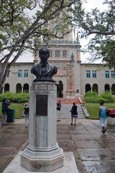 Universidad de Puerto Rico  La Torre