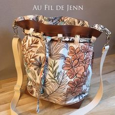 Au Fil de Jenn sur Instagram: Bonsoir à tous ! Nouveau sac seau chic, bohème, casual, estival ou automnal. Les passants de ceinture et le fond rectangulaire du sac…