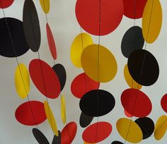 Rojo amarillo negro Party Decor decoraciones por FabulouslyHomemade