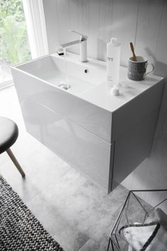 Make a striking statement to enhance any basin or vanity unit in your bathroom with the Pier basin monobloc tap in a crisp white finish from Crosswater UK. http://www.crosswater.co.uk/product/taps-tap-collections-pier/pier-basin-monobloc-white-pi110dnw/