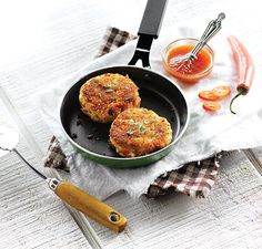 Crab Cakes with Sweet Chilli Dipping Sauce