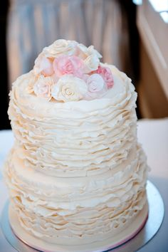 Top tiers and ruffles add sweet detail to any wedding cake. Now the question is, what flavor would you like? The Celebrations team can help you with every detail: celebrations@cosmopolitanlasvegas.com
