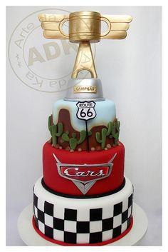 Bolo Carros - Cars cake really like the checkerboard bottom Disney Cars Cake, Disney Cakes, Beautiful Cakes, Amazing Cakes, Fondant Cakes, Cupcake Cakes, Mcqueen Cake, Bolo Cake, Character Cakes