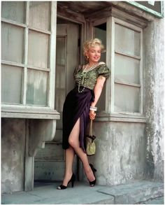 Marilyn Monroe photographed by Milton Greene, My fave photo shoot. Hollywood Glamour, Hollywood Stars, Classic Hollywood, Old Hollywood, Art Marilyn Monroe, Milton Greene, Cinema Tv, Gentlemen Prefer Blondes, Actrices Hollywood