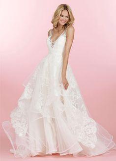 Tendance Robe du mariage Curved v illusion neckline Hayley Paige wedding dress: www. Best Wedding Dresses, Bridal Dresses, Wedding Gowns, Tulle Wedding, Wedding Cakes, Necklines For Dresses, 15 Dresses, Mod Wedding, Elegant Wedding