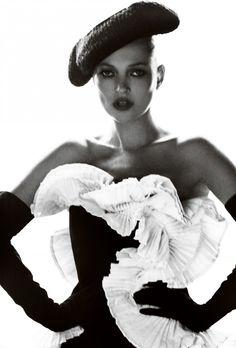 Spanish Vogue, Kate Moss, December 2012 | Mario Testino