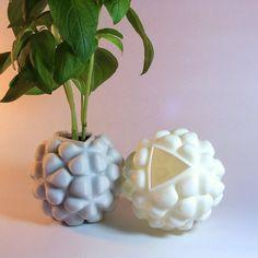 impression 3D jardin Impression 3d, 3d Printing Diy, Geometric Sculpture, Herb Planters, Math Art, Geometry, 3 D, Kitchen Decor, Sculptures