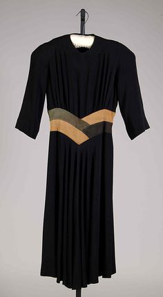 "1939-1940, America - ""Matin Song"" by Elizabeth Hawes - Silk, leather"