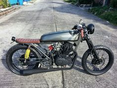 Hi All, My names Aaron. Im picking up my skyteam ace 125 on Saturday and after stalking through this page for months im excited to get my hands dirty and. Yamaha Cafe Racer, Moto Racer, Cafe Racer Seat, Cafe Racer Helmet, Cafe Racers, Custom Motorcycles, Custom Bikes, Skyteam Ace, Cafe Racer Vintage