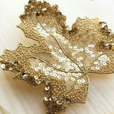 New embroidery designs by hand embellishments beads ideas Tambour Beading, Tambour Embroidery, Bead Embroidery Patterns, Couture Embroidery, Gold Embroidery, Embroidery Patches, Hand Embroidery Designs, Lesage, Beaded Brooch
