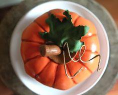 Torta a forma di zucca in pasta di zucchero, Halloween cake, Pumpkin Cake