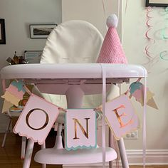 Princess Photo Banner in pink and gold. First Birthday Garland. Birthday Picture Banner, Birthday Garland, First Birthday Pictures, Photo Banner, Happy Birthday Banners, Cake Pops, Carousel Party, Its A Boy Banner, High Chair Banner
