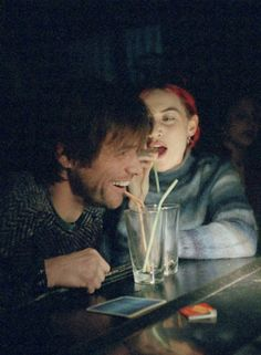 Kate Winslet & Jim Carrey as Clementine & Joel in Eternal Sunshine of the Spotless Mind Jim Carrey, Meet Me In Montauk, Michel Gondry, The Truman Show, Pier Paolo Pasolini, Movies And Series, Eternal Sunshine, Kate Winslet, Film Serie