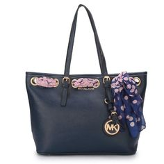 Cheap Michael Kors Jet Set Scarf Large Navy Totes Clearance All New Designer Handbags, Bags, and Purses here! Outlet Michael Kors, Cheap Michael Kors, Michael Kors Selma, Michael Kors Tote, Handbags Michael Kors, Michael Kors Jet Set, Mk Handbags, Designer Handbags, Designer Bags