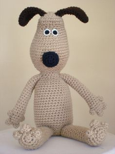 Gromit Amigurumi free crochet pattern on Ravelry at http://www.ravelry.com/patterns/library/gromit-amigurumi