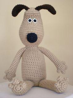 Gromit Amigurumi free crochet pattern on Ravelry at http://www.ravelry.com/patterns/library/gromit-amigurumi