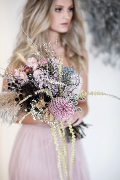 Unique Bridal Bouquets – 2020 Fashions Womens and Man's Trends 2020 Jewelry trends Simple Wedding Bouquets, Romantic Wedding Flowers, Floral Wedding Decorations, Wedding Flower Inspiration, Bride Bouquets, Flower Bouquet Wedding, Floral Bouquets, Wedding Colors, Wedding Trends