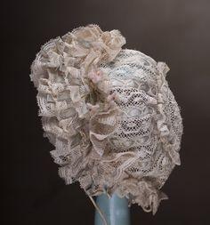 Antique French Small Lace Bonnet for Jumeau Bru Steiner Eden Bebe doll: Removed Antique Lace, Antique Dolls, Vintage Dolls, Vintage Floral, Vintage Sewing, Vintage Room, Vintage Kitchen, Emergency Kit For Girls, Doll Wigs