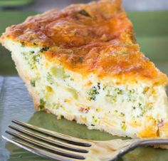 """Broccoli Cheddar Bacon Quiche – This cheesy broccoli cheddar quiche could only get better with the addition of bacon. The smoky undertones that bacon gives to the custard is mouthwatering. I'm not sure who started the saying """"real men don't eat quiche"""" b Quiche Au Brocoli, Broccoli Cheddar Quiche, Quiche With Bacon, Cheddar Cheese, Cheese Quiche, Quiche Recipes, Brunch Recipes, Strata Recipes, Quiches"""