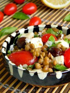 Vara nu trece o zi in care sa nu mancam o salata, fie … Caprese Salad, Cobb Salad, Mozzarella, Detox, Meals, Food, Fine Dining, Salads, Meal