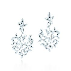Tiffany & Co. - Paloma Picasso® Olive Leaf drop earrings in sterling silver, small. Tiffany Earrings, Tiffany Jewelry, Drop Earrings, Jewelry Shop, Jewelry Design, Fine Jewelry, Jewellery, Luxury Jewelry, Fashion Jewelry