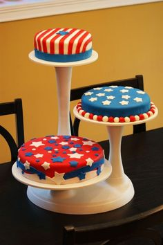 Fourth of July Independence Day | 4th of july cakes 4th of july cakes 3 teirs made with fondarific ...