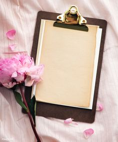 Blank floral paper clipboard mockup | premium image by rawpixel.com / Teddy Rawpixel Flower Background Wallpaper, Flower Phone Wallpaper, Framed Wallpaper, Cute Wallpaper Backgrounds, Flower Backgrounds, Mises En Page Design Graphique, Instagram Frame Template, Zeina, Instagram Background