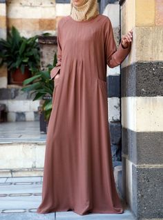Hijab Fashion 2016/2017: SHUKR USA | On-The-Go Abaya Dress  Hijab Fashion 2016/2017: Sélection de looks tendances spécial voilées Look Descreption SHUKR USA | On-The-Go Abaya Dress