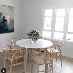 Round dining table in marble Shop Our Elegant Round Marble Dining Table - Marble Table Designs 6 Seater Dining Table, Table And Chairs, Dining Area, Room Chairs, Round Marble Table, White Round Dining Table, Marble Dinning Table, Small Dining, Scandinavian Dining Chairs