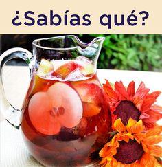 ¡Puedes crear el ponche ideal para la fiesta de Acción de Gracias! Sólo combina:  - Botella de Welch's Sparkling Uva roja  - Welch's Sparkling Cranberry  - Manzanas  - Uvas  - Chinas  - Canela