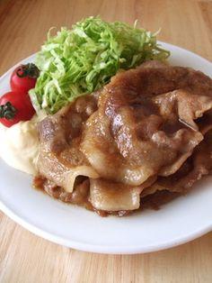 豚の生姜焼き - stir fried marinated pork in ginger sauce