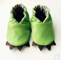 Lizard baby moccasins from Little House in the Orchard. Dying, so cute!