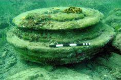 """Uma estranha """"cidade submersa"""" descoberta por pessoas que nadavam na costa da ilha grega de Zaquintos não foi construída por mãos humanas."""