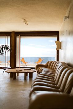 A Unique Luxury Design Hotel on the Côte d'Azur in France - Hotel Les Roches Rouges by Festen Architecture Interior Architecture, Interior And Exterior, Interior Ideas, Luxury Hotel Design, Turbulence Deco, Hotel Interiors, Modern Interiors, Contemporary Interior Design, Houses