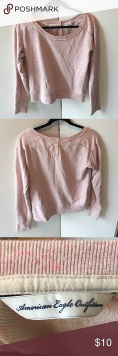 Ae Sweatshirt Pullover light pink American Eagle sweatshirt. Can be dressed up with jeans and a scarf, or super comfy with leggings. American Eagle Outfitters Tops Sweatshirts & Hoodies