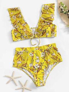 To find out about the Random Floral Ruffle Top With High Waist Bikini at SHEIN, part of our latest Bikinis ready to shop online today! Bandeau Bikini, Bikini Swimwear, Bikini Set, Swimsuits, Kids Swimwear, Spring In Italy, Bikini Ready, Bra Types, Lingerie
